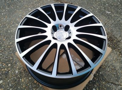 NEW! SAVE £430!! Team Dynamics Arnage Black/polished 18″8J Alloy wheels.
